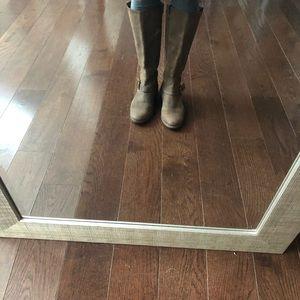 cross between a winter boots &combat boot